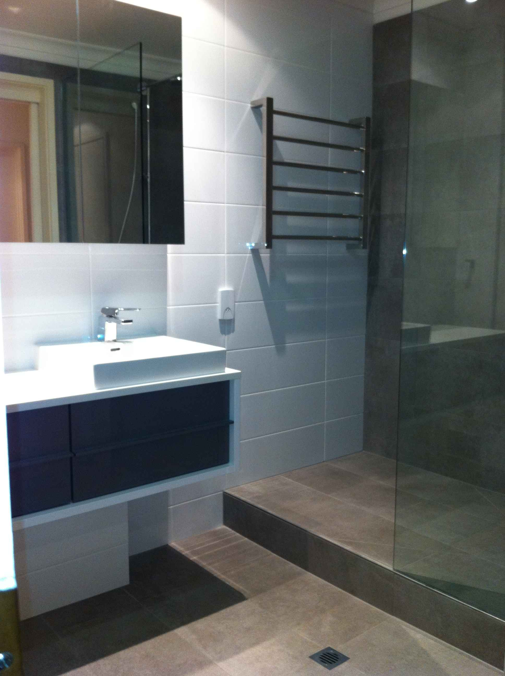 Beautiful bathrooms renovations and kitchens renovations melbourne Small bathroom design melbourne